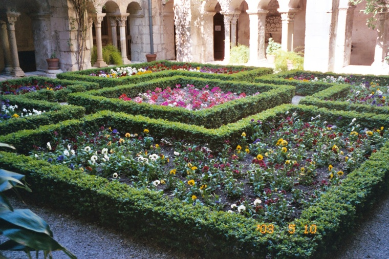 gardens in the cloister
