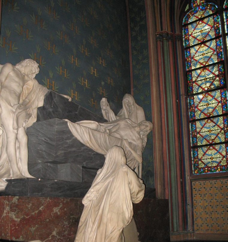 Statues at Notre Dame