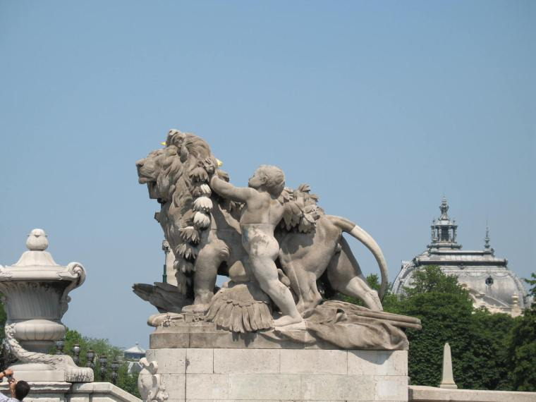 more Parisian statues