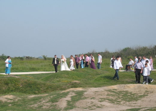 a wedding takes place on the battlefield