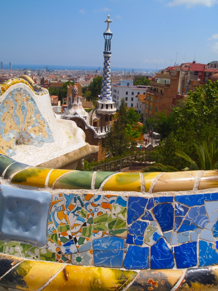 the serpent seat at Park Güell