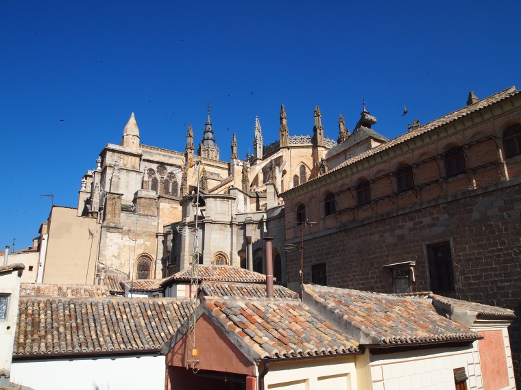 view of Catedral de Toledo from the terrace of La Posada de Manolo