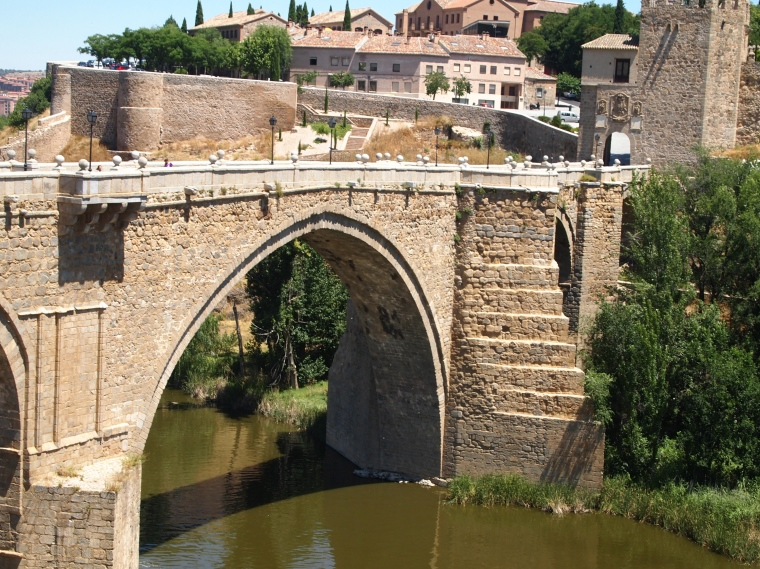bridge over Rio Tajo