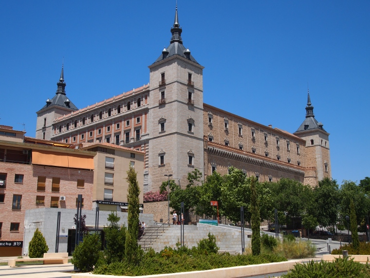 another view of the alcazar