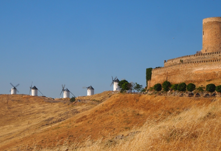 windmills and the castle of Consuegra