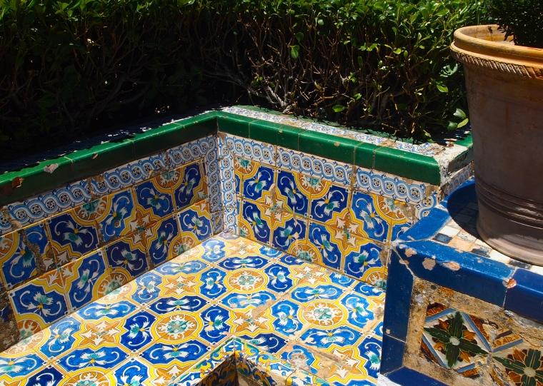 bench in the gardens ofPalacio del Rey Moro
