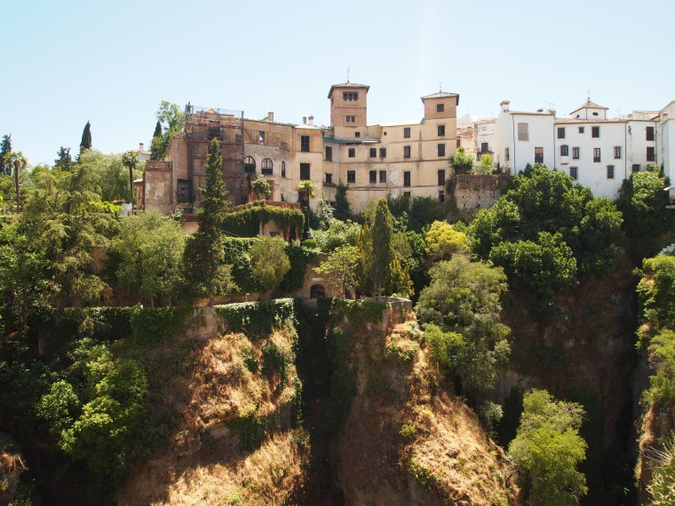 building on the edge of the Tajo Gorge
