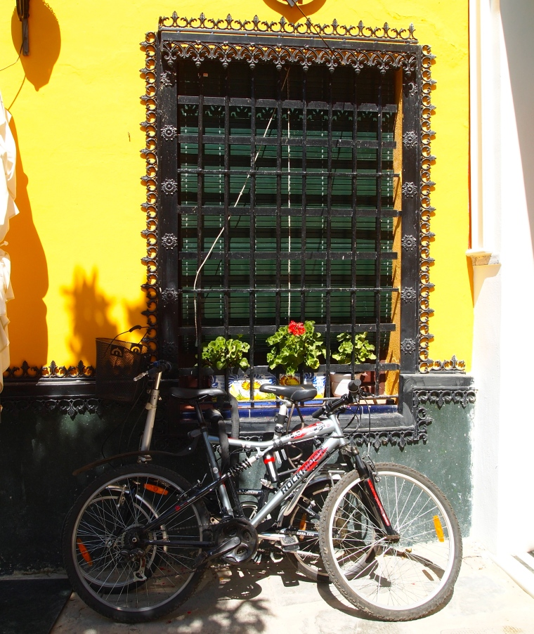 walking through the hot streets of Seville in search of agua con gas