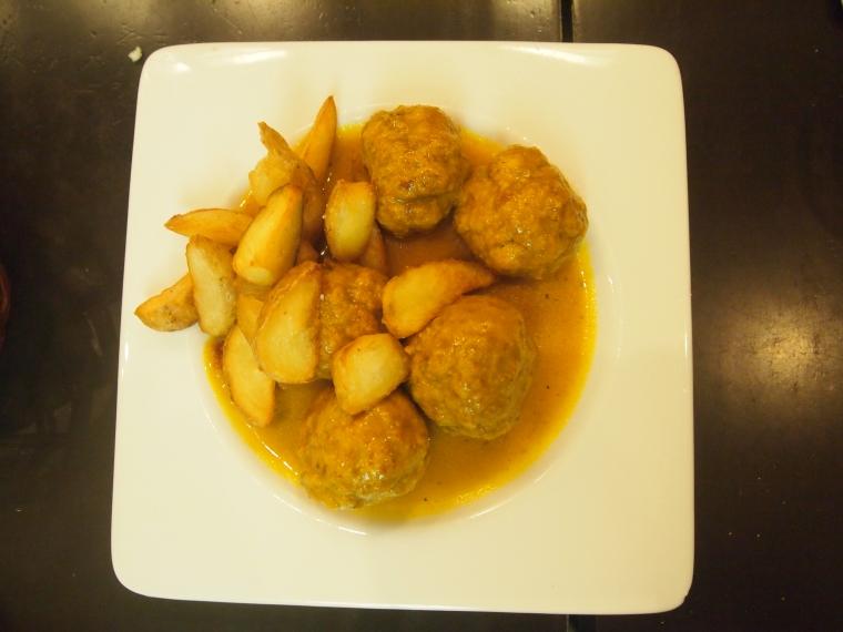 Mozarabic meatballs
