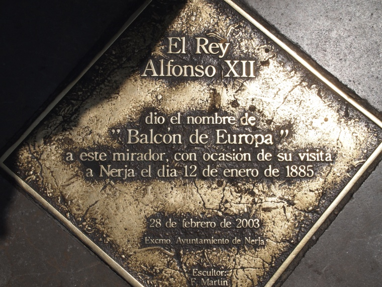 plaque about the King