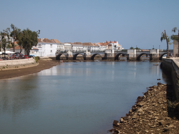 my first glimpse of Jo's famous bridge, the Ponte Romana, in Tavira