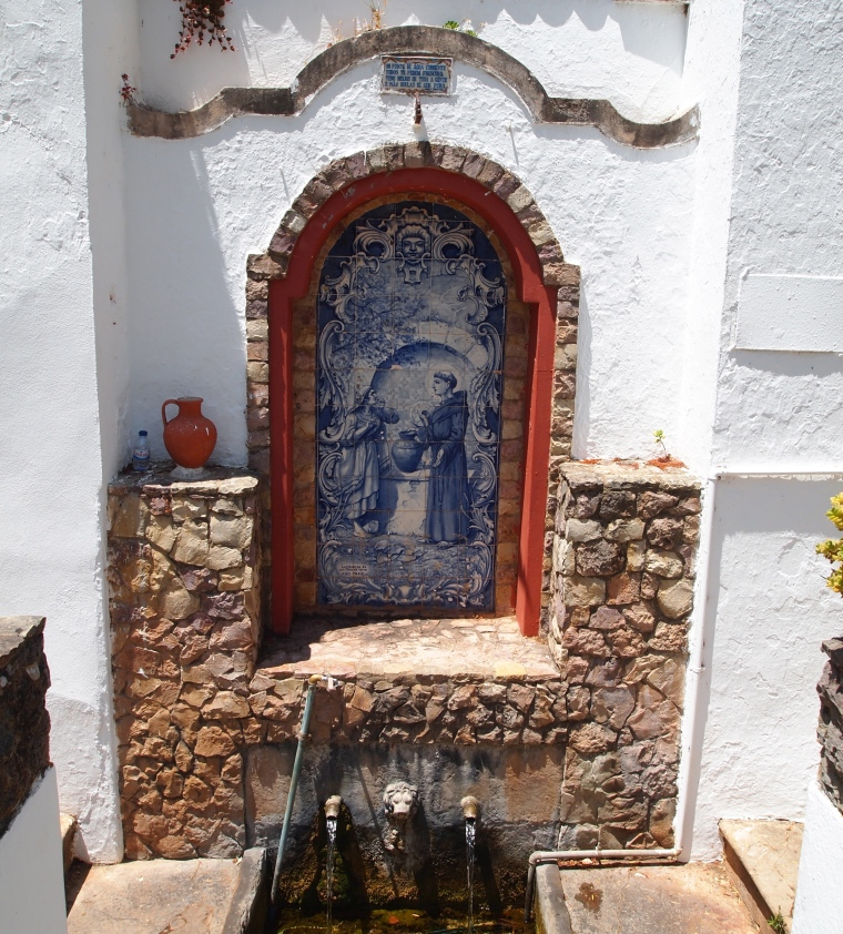 azulejo tiles at Fonte Pequena