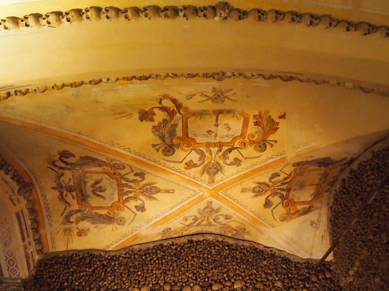 ceiling in the Capela dos Ossos