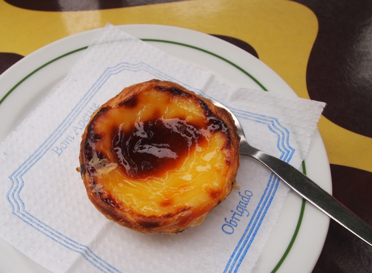 cinnamon-dusted pastel de nata in Portugal