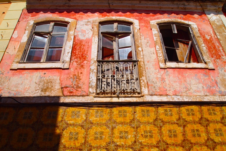 I love the tiled facades of Portuguese houses