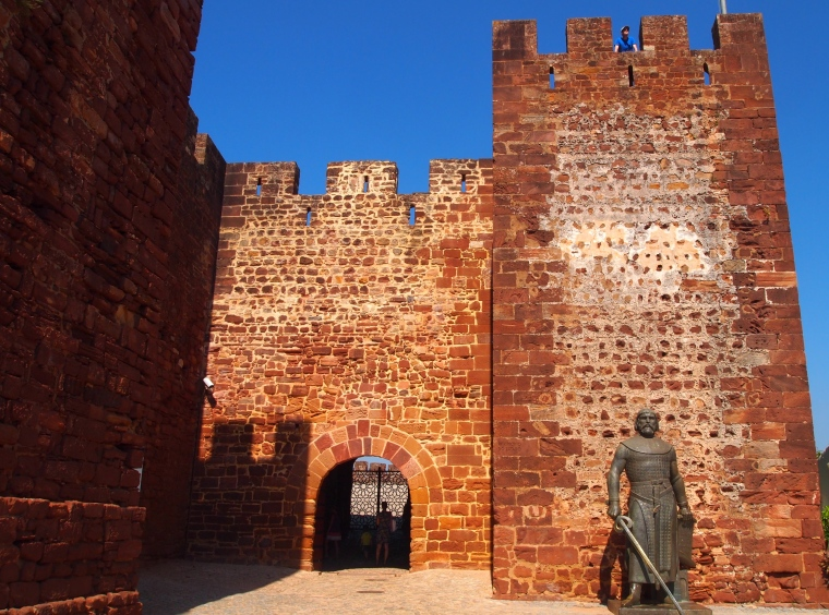 entrance to the Castelo de Silves