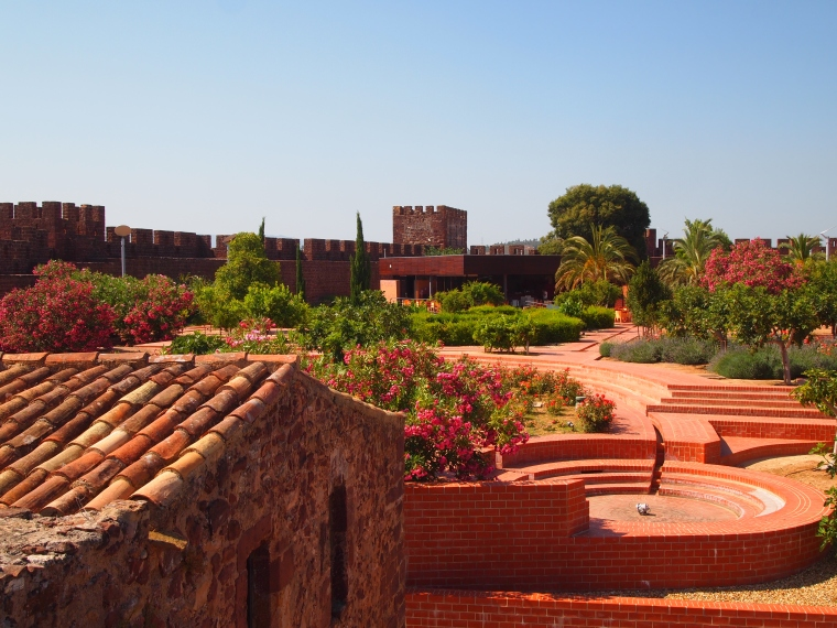 inside the walls of the Castelo de Silves