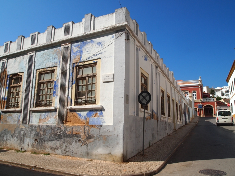 I love this shabby chic building