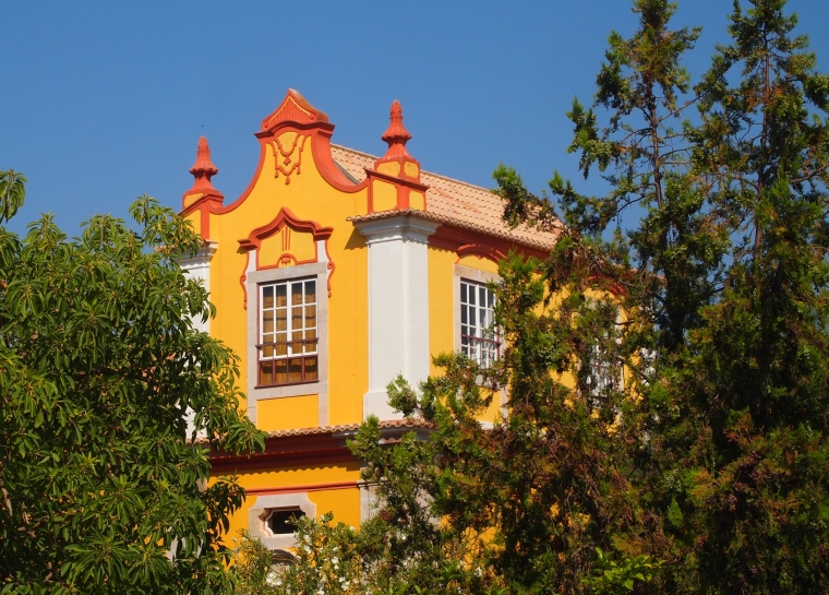 a pretty building outside Tavira's Castelo