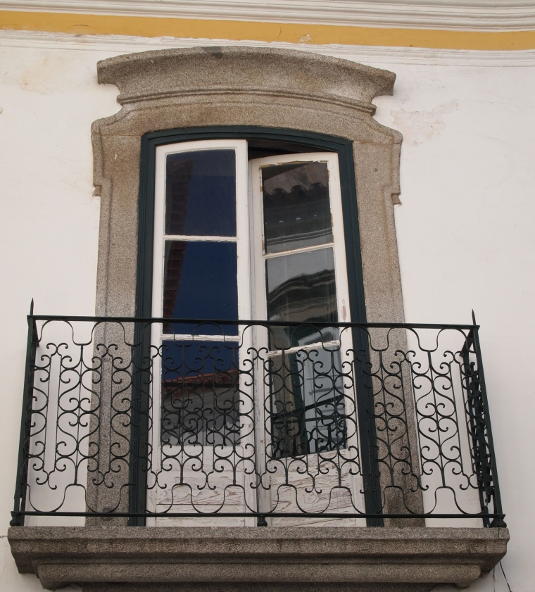 balcony in Evora