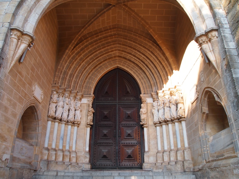 portal to the Cathedral of Evora