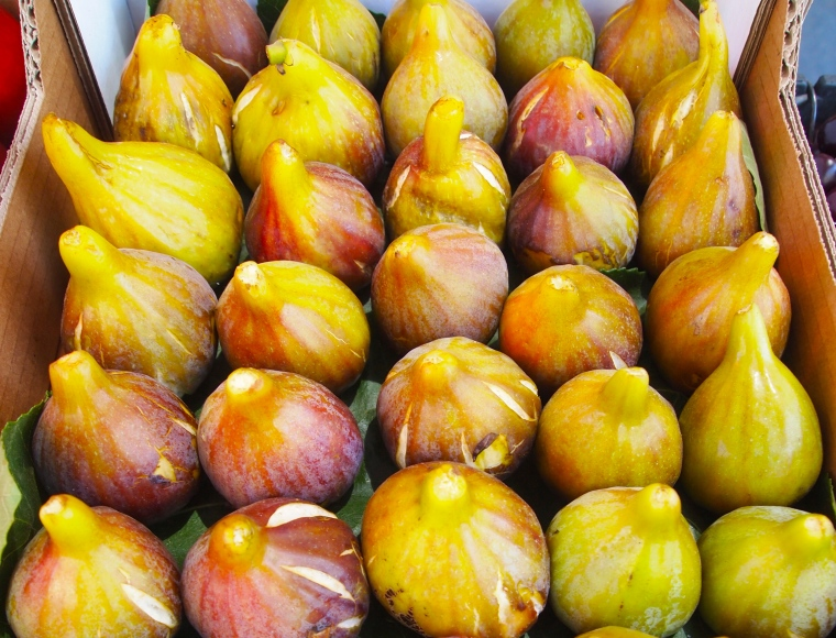 Figs in a market in Sintra
