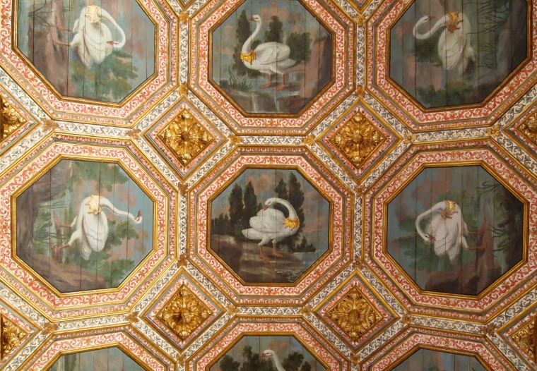 27 gold-collared swans in the Swan Room at Palácio Nacional de Sintra