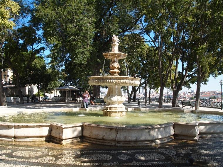 fountain at Miradouro São Pedro de Alcântara