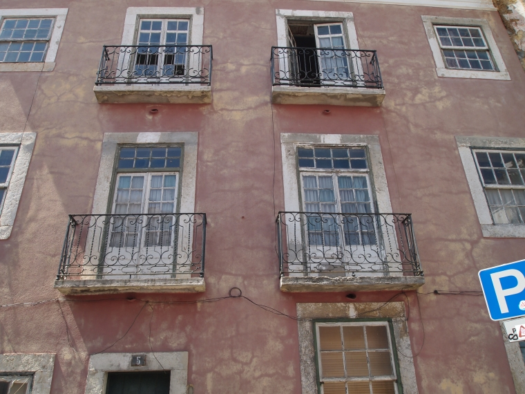 Alfama buildings