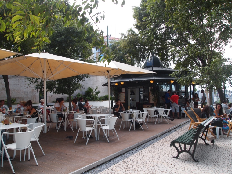 cafe at Miradouro São Pedro de Alcântara