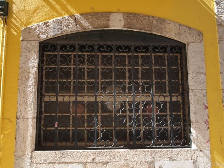 windows in Bairro Alto