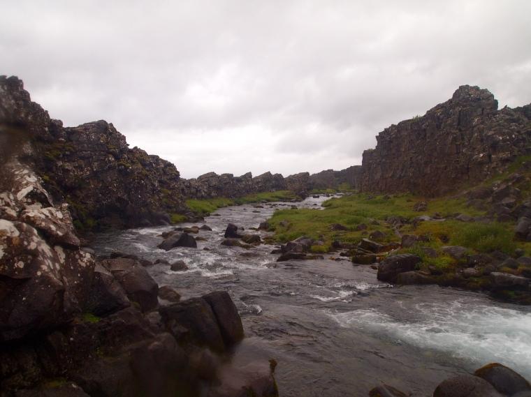 the river Öxará cuts the plate