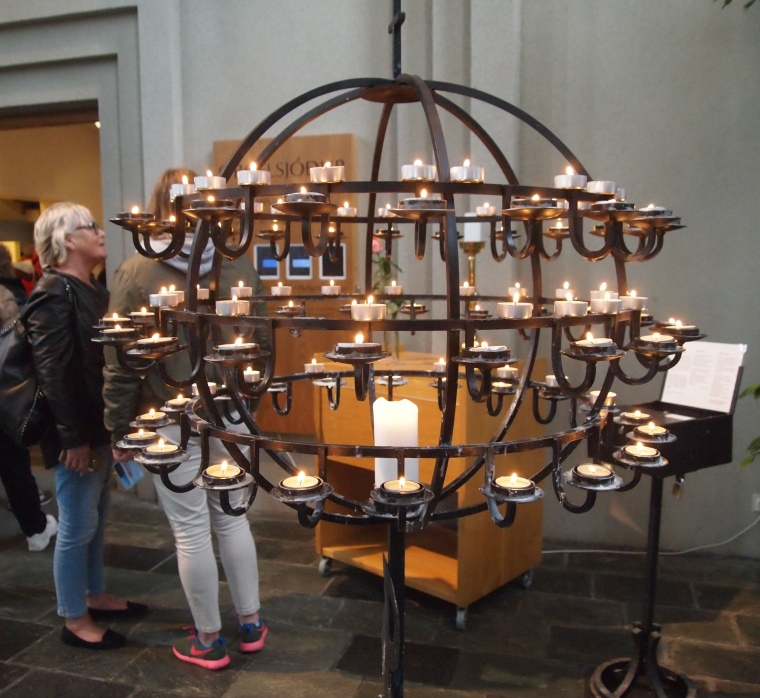 candles in Hallgrímskirkja