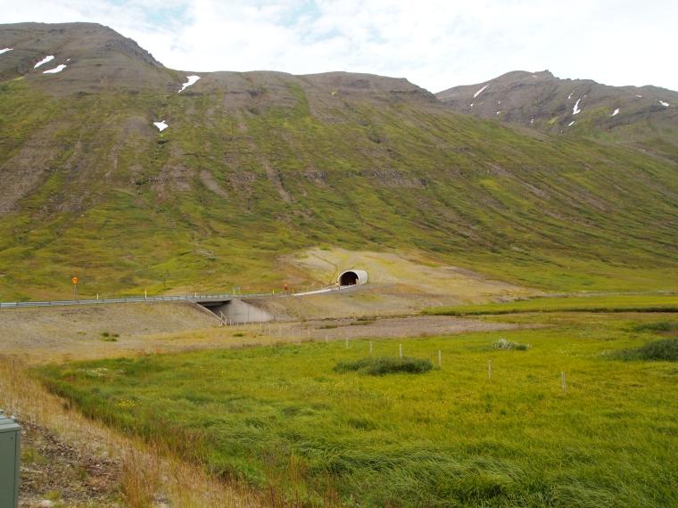 tunnel from Héðinsfjörður to