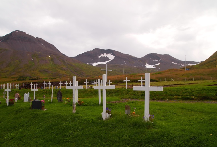 cemetery on the edge of Siglufjörður