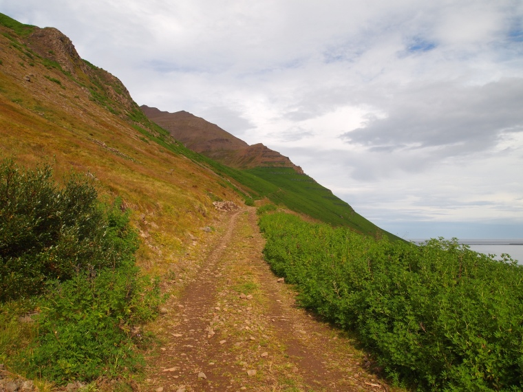 the path above the avalanche walls
