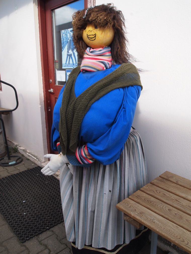 an Icelandic lady at the tourist shop :-)