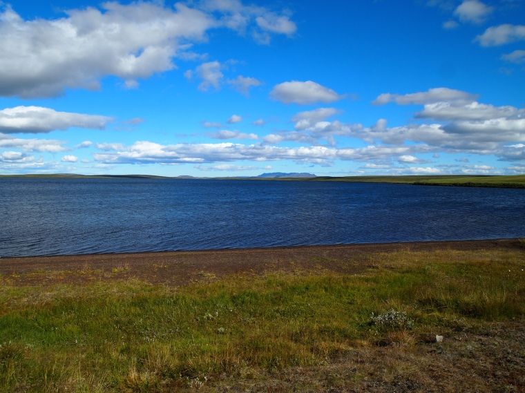 A lake somewhere between Goðafoss and Mývatn