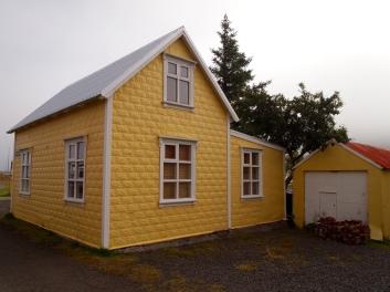 yellow house in Seyðisfjörður