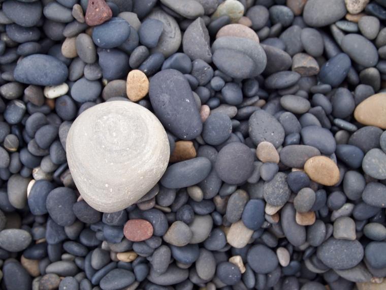 pebble beach at Lón