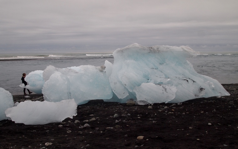 icebergs at the river mouth of Jökulsárlón