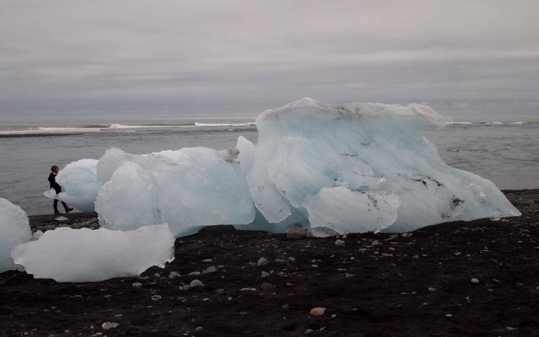 icebergs at the river mouth of Jökulsárlón