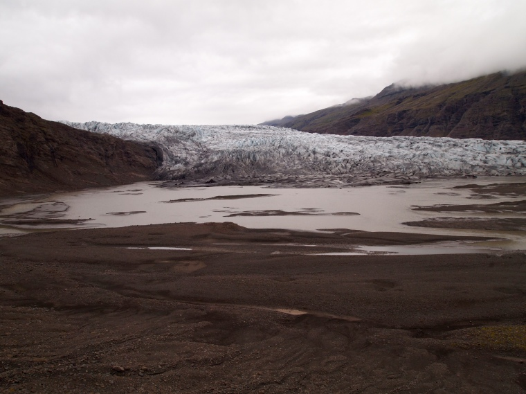 Fláajökull glacier tongue and lagoon