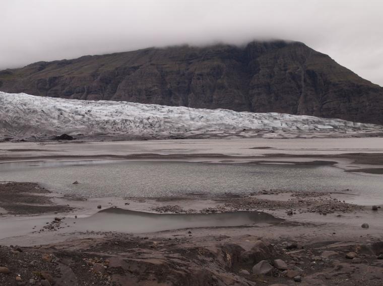 Fláajökull's lagoon