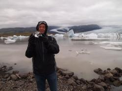 Mike with ice at Fjallsárlón