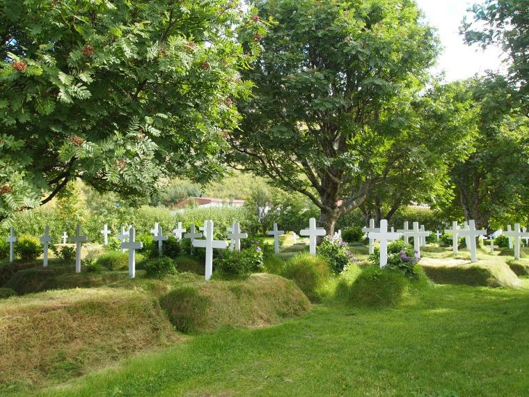 cemetery at Hofskirkja