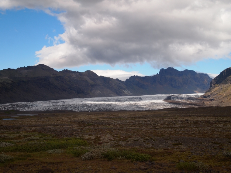 Svínafellsjökull from a distance