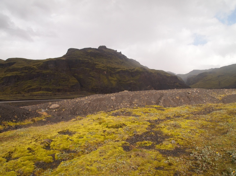 hike to the Sólheimajökull glacier tongue