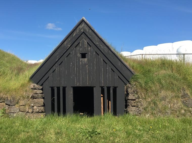 turf house at Keldur