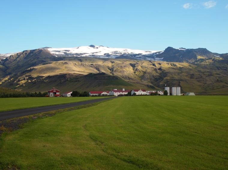 Þorvaldseyri with Eyjafjallajökull behind
